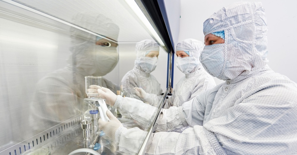 sterile-operations-in-a-booth-1000x524-linkedin